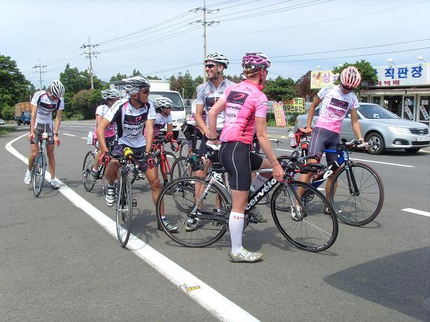 cycling in Jeju-3 for web.JPG